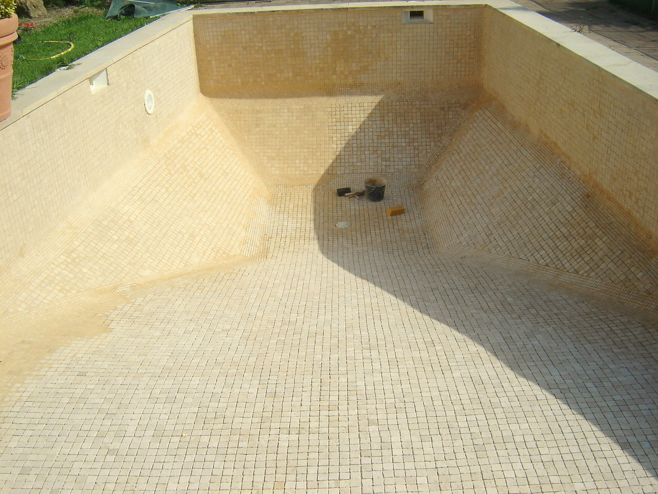 Piscine en Travertin 5x5