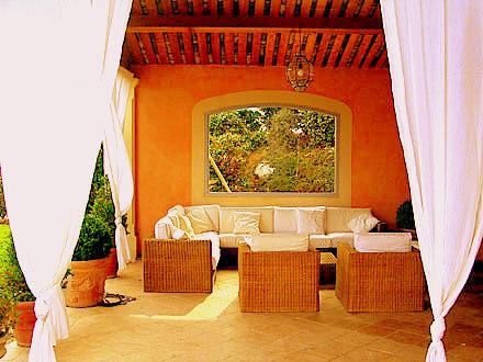 Terrasse provençale enduit parlumière fin