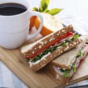 Hight tea aan de kade in Doesburg voor 4 personen - Aangeboden door Stadshotel Doesburg