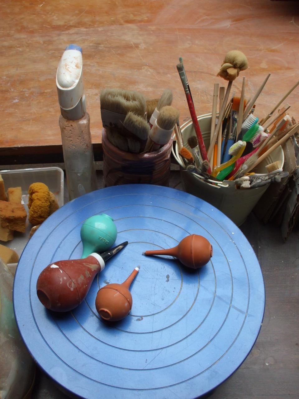 Les outils de décoration de terre vernissée