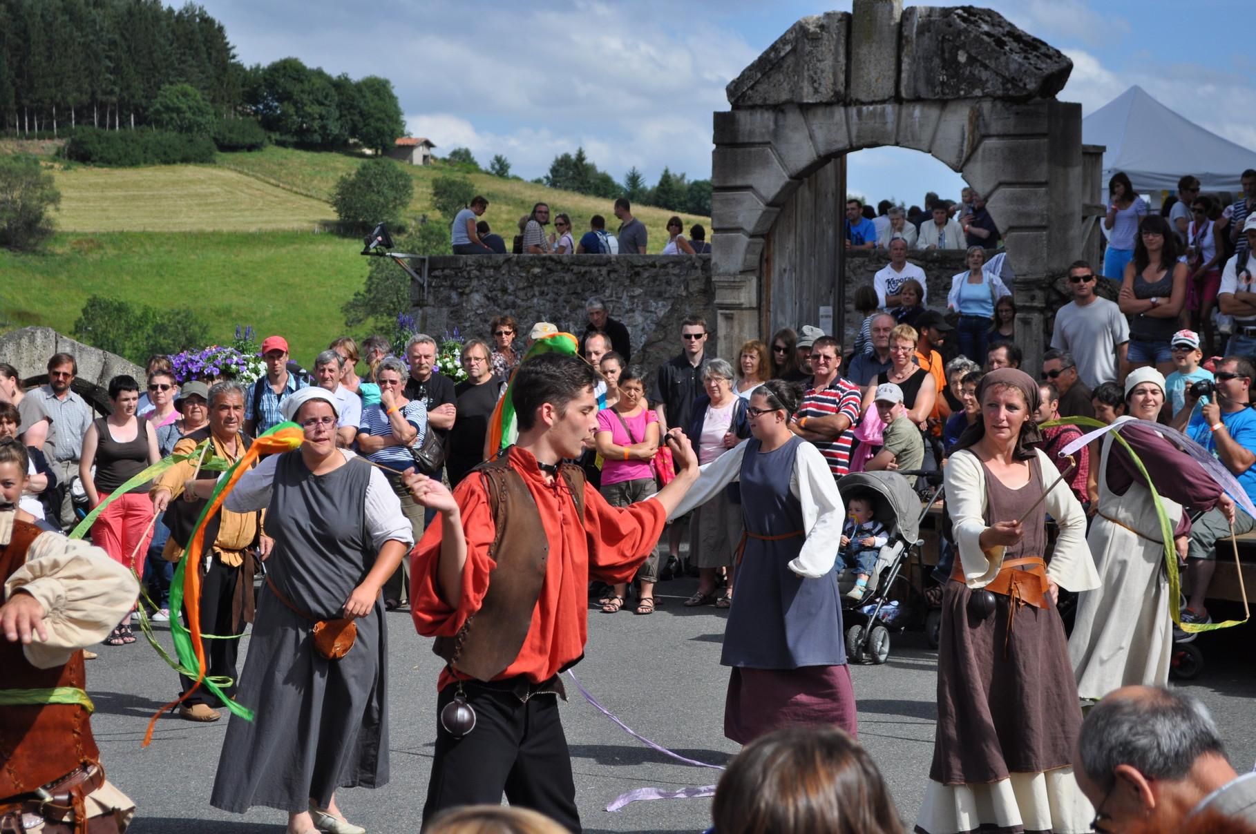 Calendrier Fetes Medievales.Dates Des Spectacles De La Troupe Marazula Troupe De