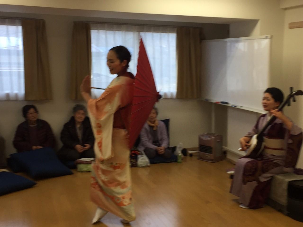 2016/1/10 大槌にて。ドキドキの初公演。津軽手踊り「津軽アイヤ節」