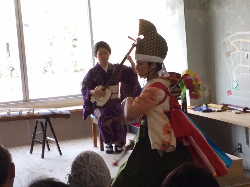 岩手県の「中野七頭舞」をベースにアレンジした踊り。