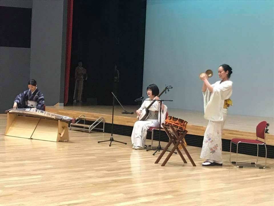 7/30 陸前高田コミュニティホールにて。地元の方の参加する演芸会に響喜も参加させていただきました。