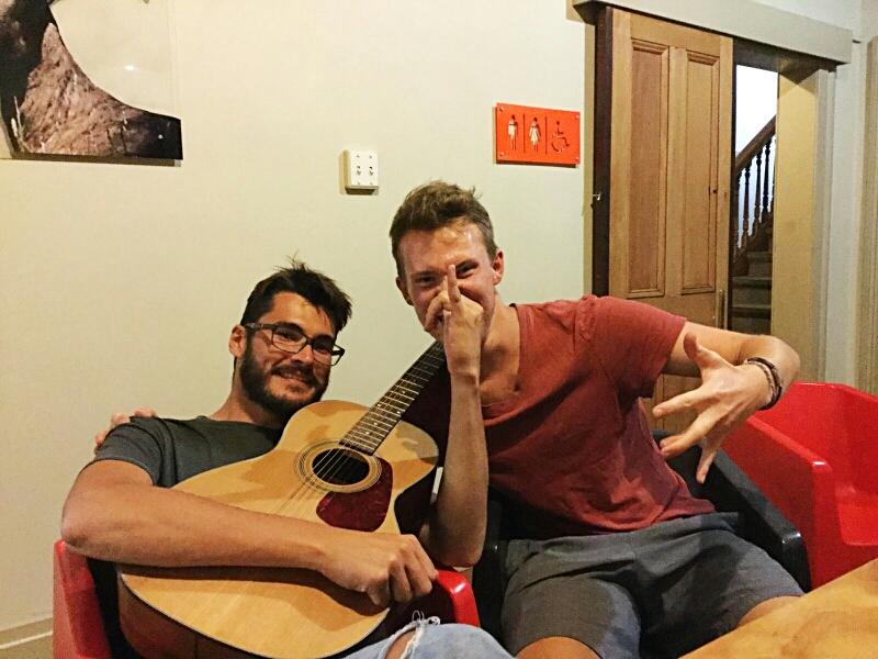 William und ich beim .... äh, Musik machen (oder jedenfalls unserer Interpretation von Musik machen)