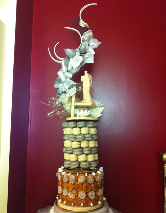 Pièce montée mariage - choux et macarons