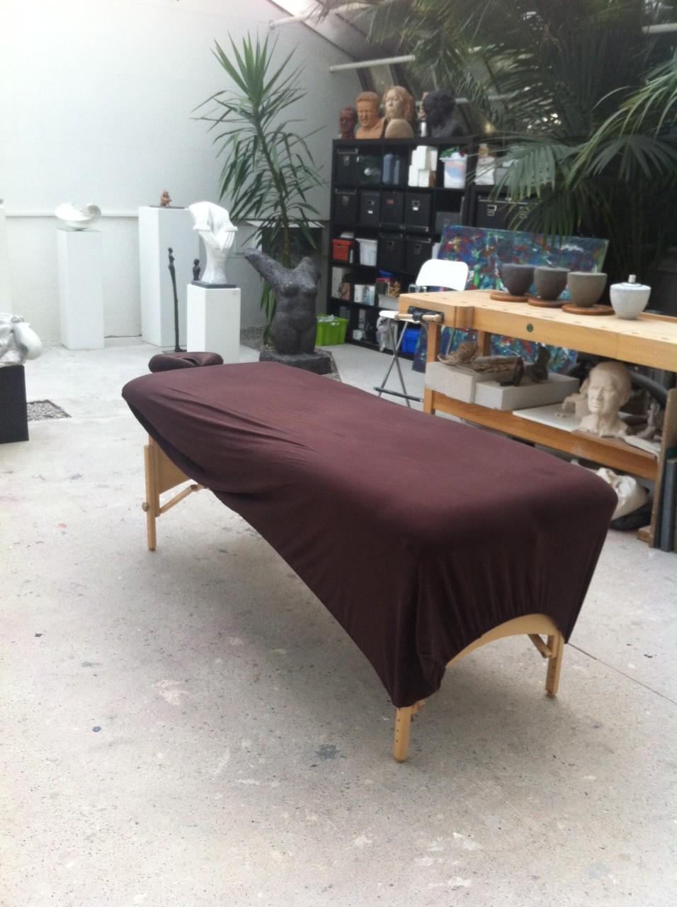 Massage im Künstleratelier