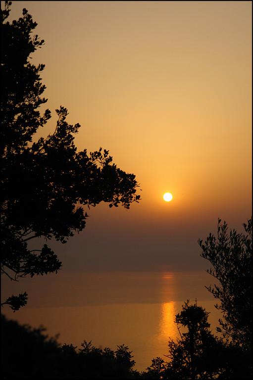 """Samstag 5.15 Uhr-Wanderung auf den """"Hausberg"""" um Sonnenaufgang zu beobachten"""