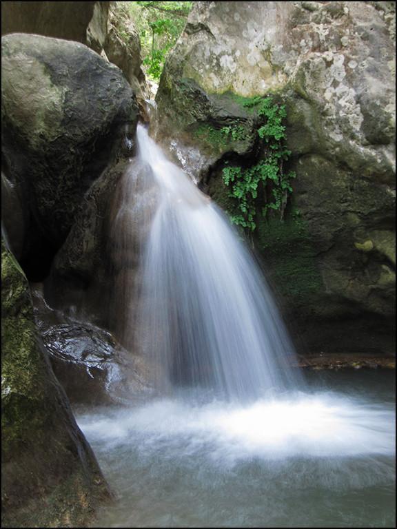 'Potami'-Wasserfall
