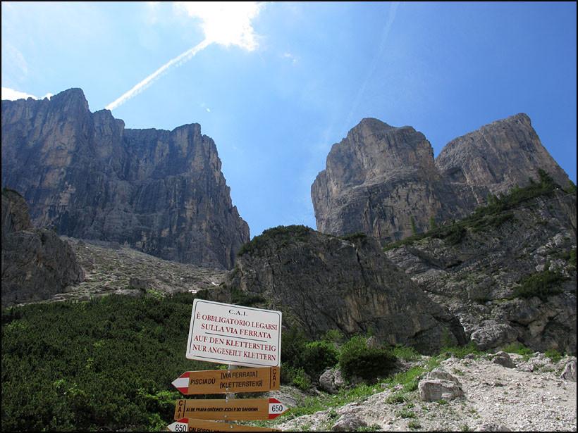 Klettersteig Pisciadu : Parkplatz östlich des grödner jochs pisciadu