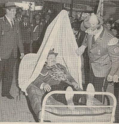 1989 König Wolfgang zu Bett gebracht