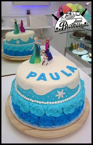 Tarta de Frozen con BUTTERCREAM coloreado