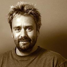 Luc Besson, Mercure carré Saturne, maisons X/VI.