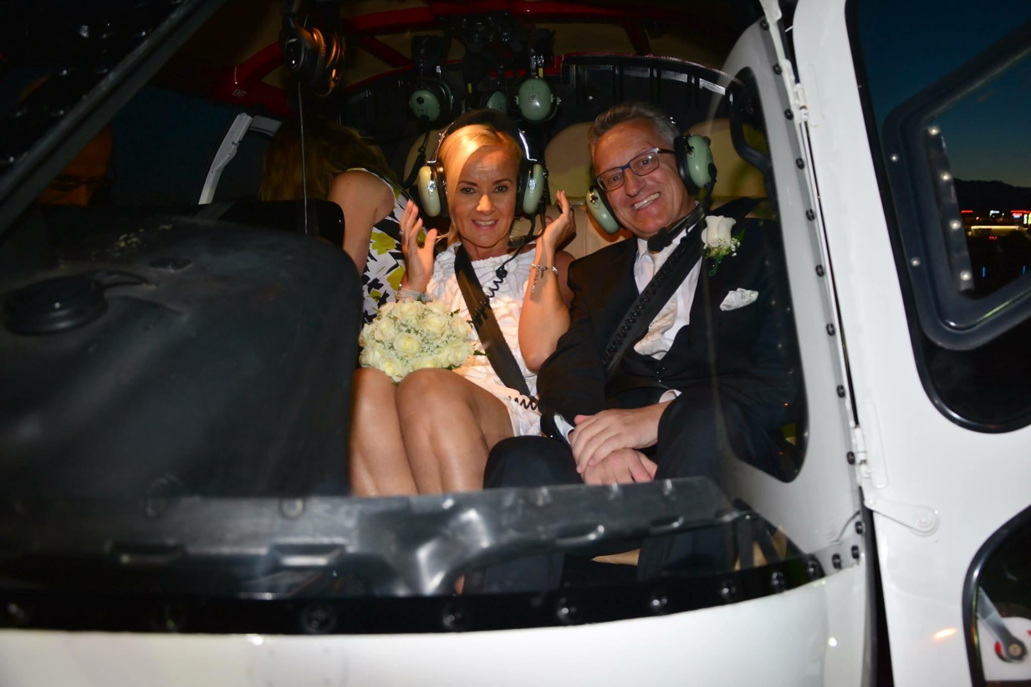 So sieht ein glückliches Brautpaar in Las Vegas aus