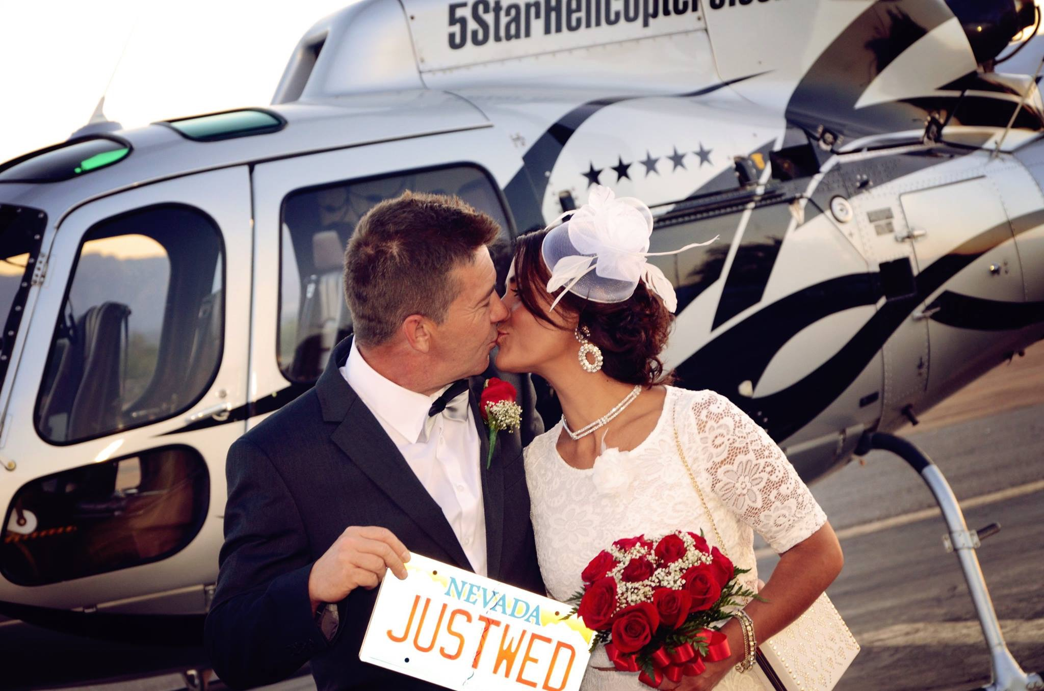 Just married im Helikopter über Las Vegas