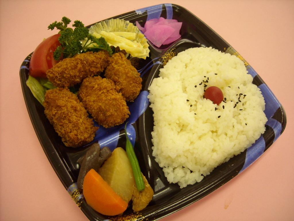 カキフライ弁当 480円