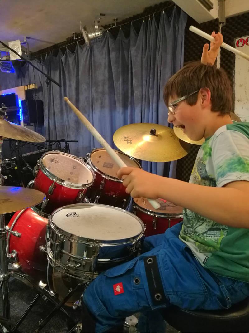 Mehr Drums...!