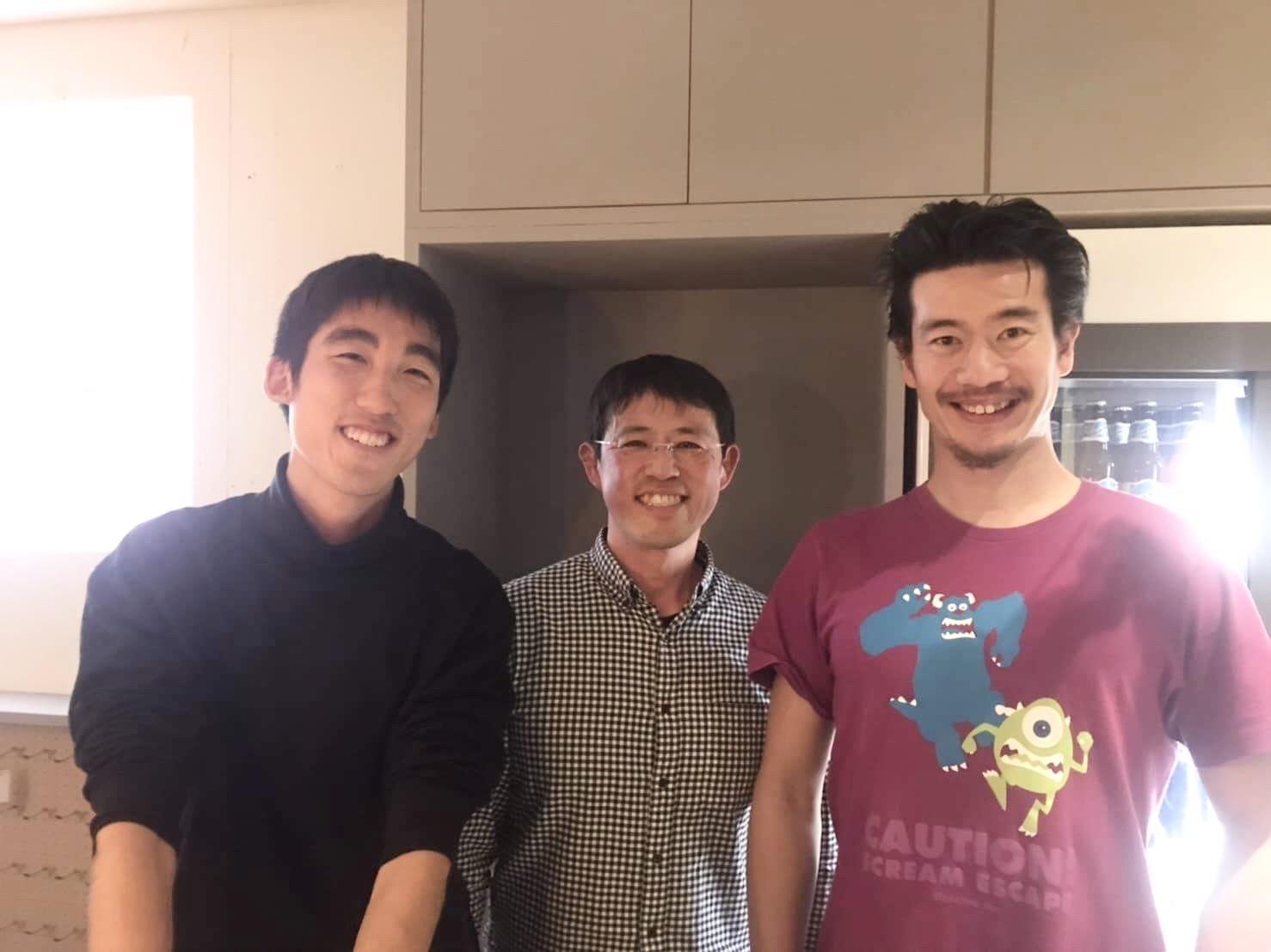 ビーチラグビーのトップ選手、鈴木貫太郎選手(左)と