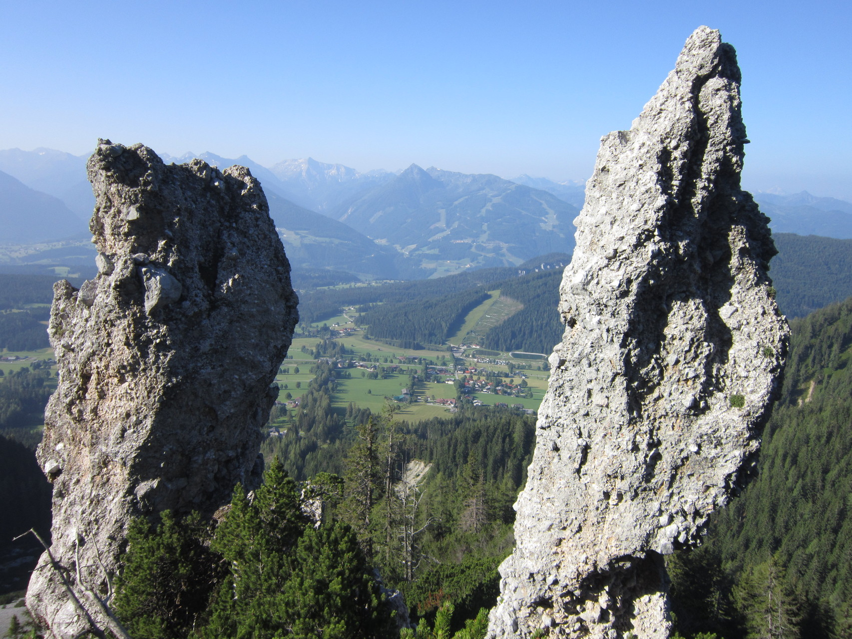 Hike on Jungfernsteig in the Ramsau