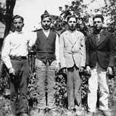 Grzegorz Frycki (pierwszy z lewej) z kolegami na Łemkowszczyźnie