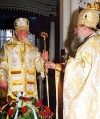 Władyka Adam otrzymał od archimandryty Nikodema nowe żezło