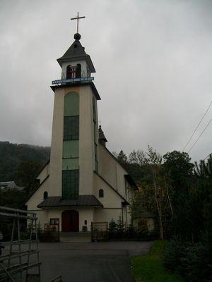 Uście Gorlickie - kościół katolicki fot. Edward Szura