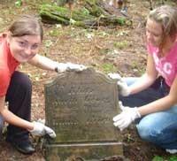 prace na cmentarzu