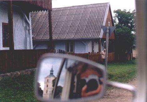 Kalwaria Pacławska - wielkie Sanktuarium Bieszczadzkie. Drewniane domy przysłupowe z podcieniami dla pielgrzymów, datowane na XIX wiek.