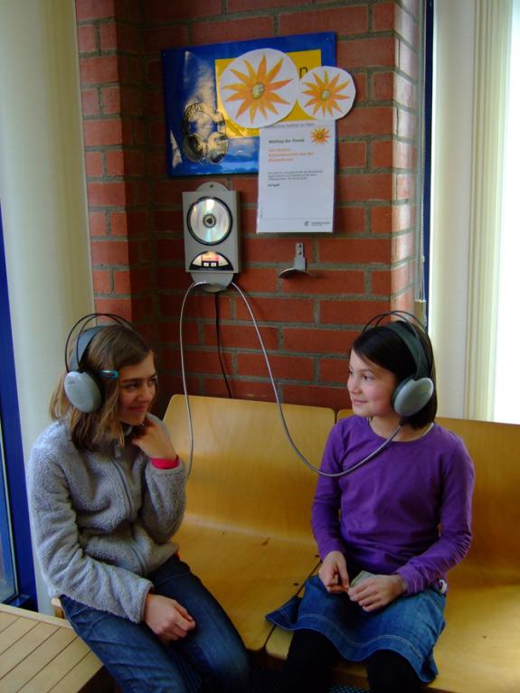 """Hörstation """"Rabaukenreime"""" mit Gedichten von Kindern"""