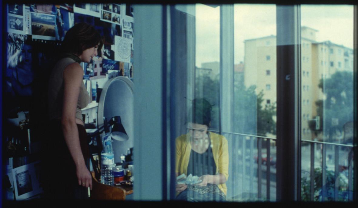 """Filmstill Zimmer Lynn """"In den Tag hinein"""" November Film GmbH"""