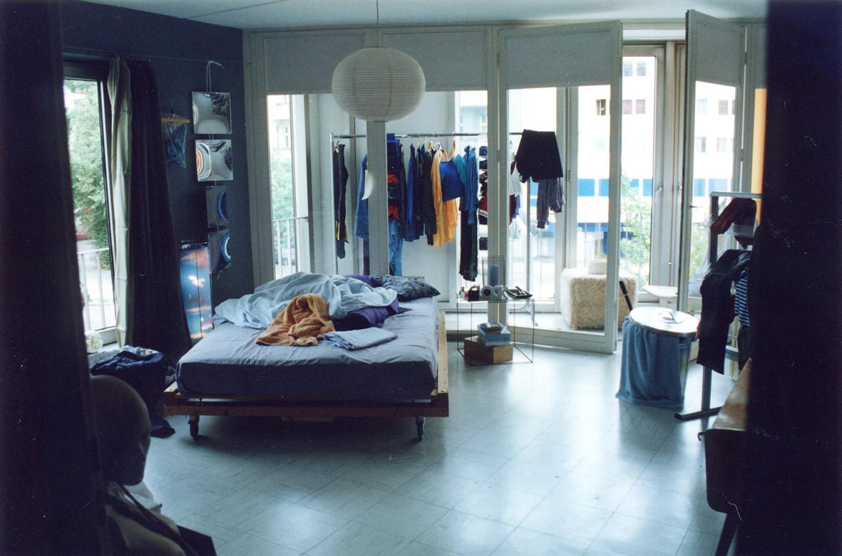 """Setfoto Zimmer Lynn """"In den Tag hinein"""" November Film GmbH"""