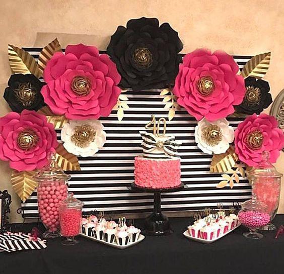 flores de papel para mesa de postres