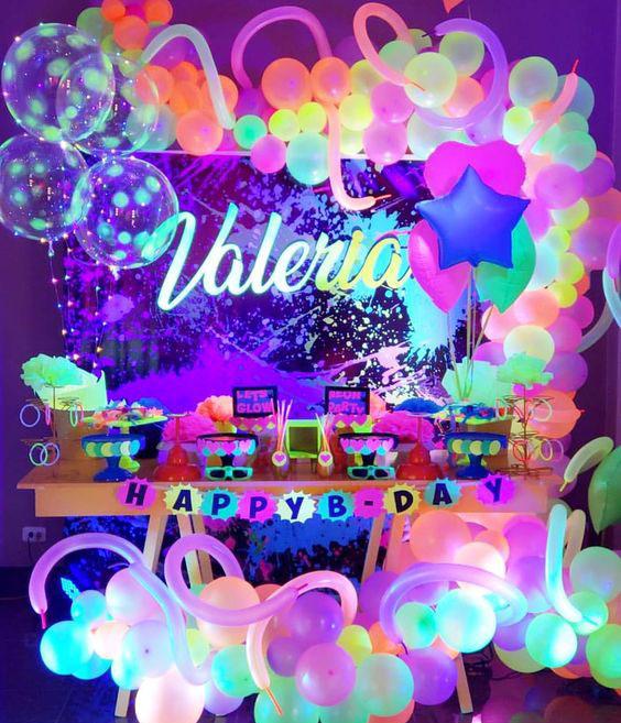 cumpleaños tematica neon