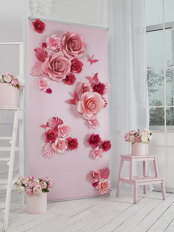 decoración con flores de papel