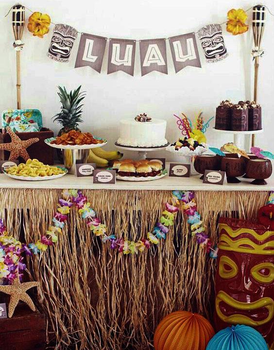 mesa de postres hawaiana