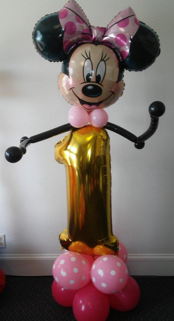 figura de minnie mouse con globos