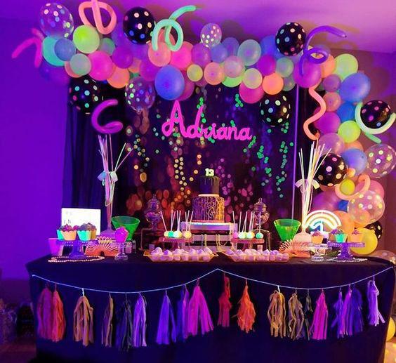 decoracion para fiesta neon
