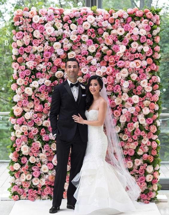pared de flores para matrimonio