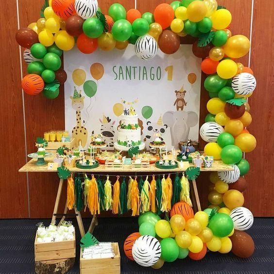 mesa de dulces fiesta de la selva