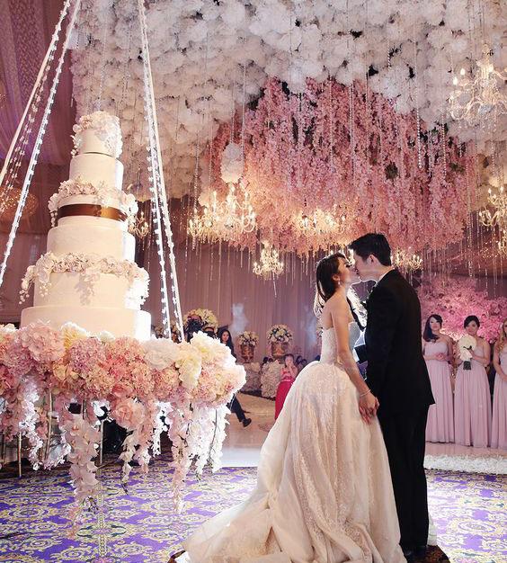 pasteles colgantes para boda