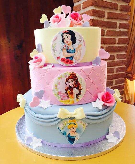 pastel de cumpleaños princesas