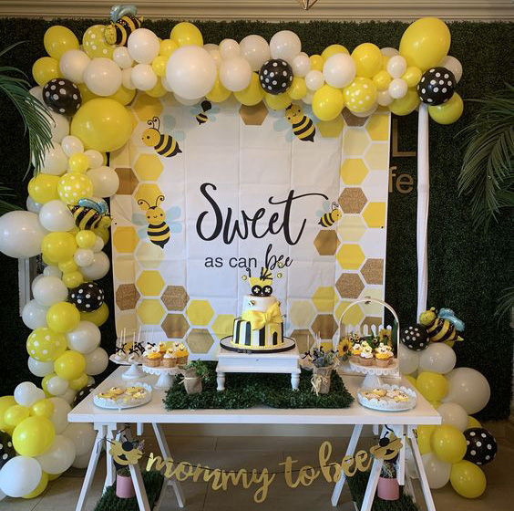 decoración de baby shower color amarillo
