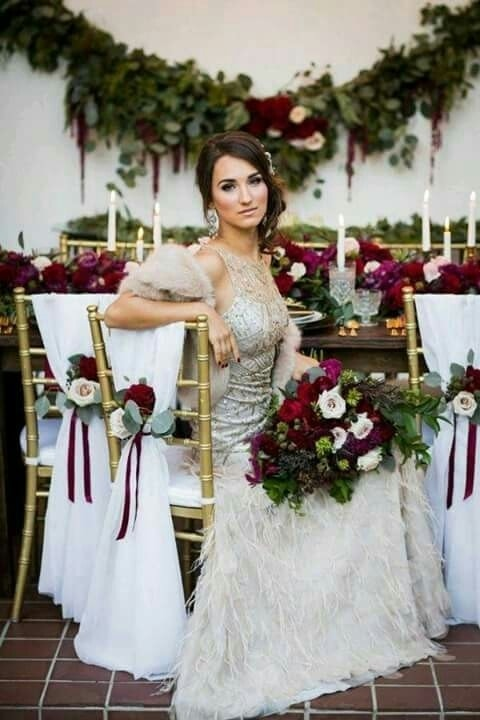 flores color vino para boda