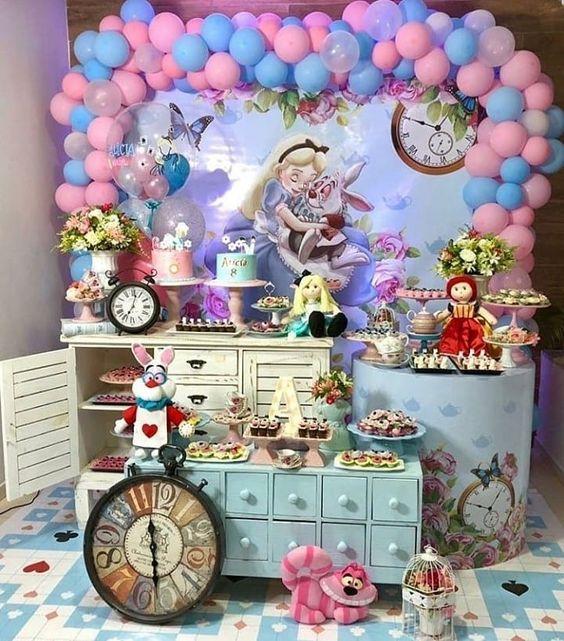 mesa de dulces alicia en el pais de las maravillas