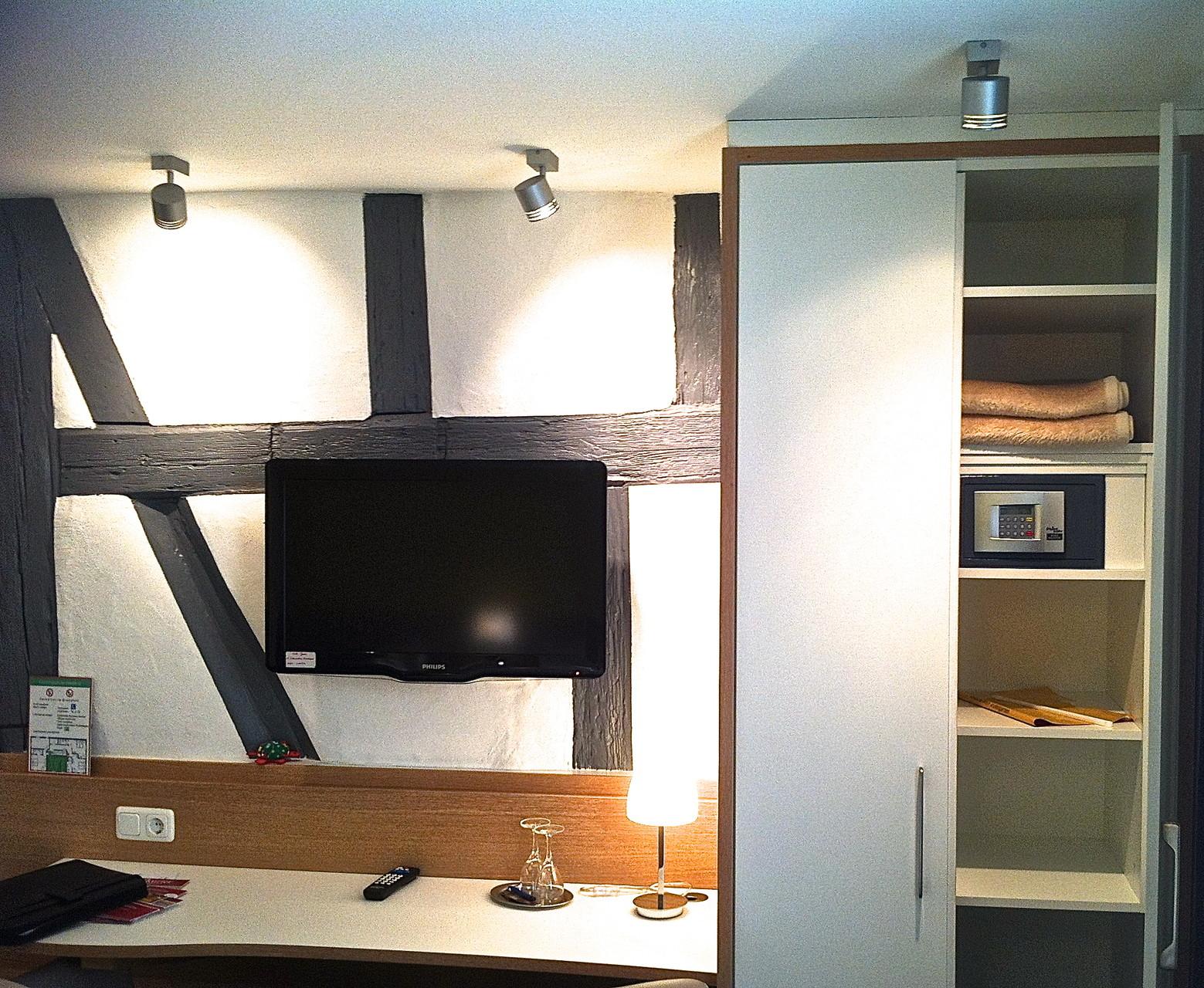 Raum und Lichtgestaltung  Hotelzimmer Hotel Behringer