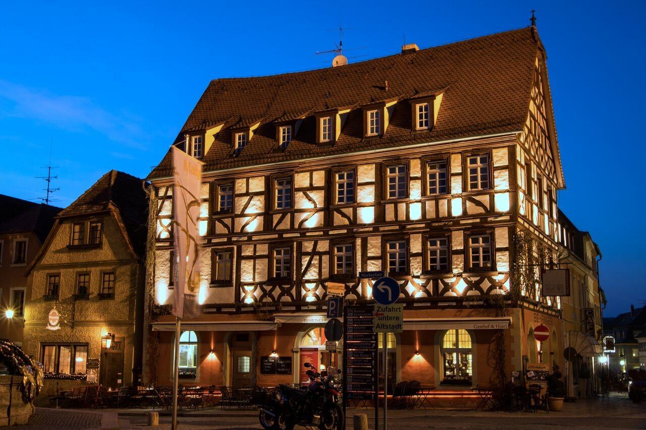 Lichtgestaltung Fassade Hotel Behringer