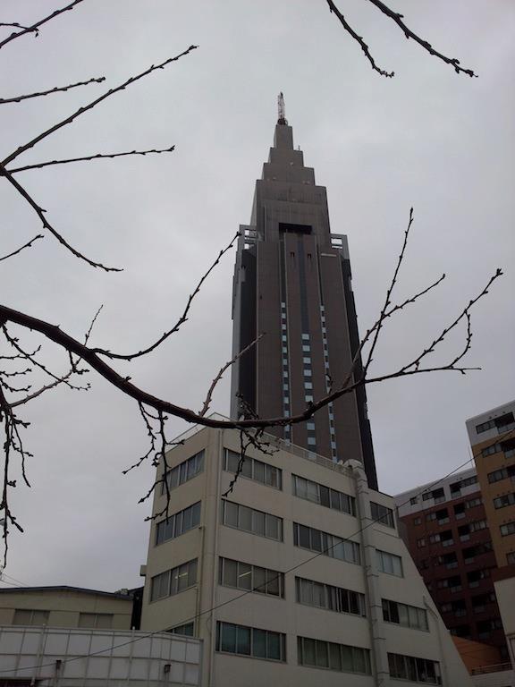 全般に曇りで、夜の始め頃は雨や雪だそうでつよ。 【2013年3月4日】