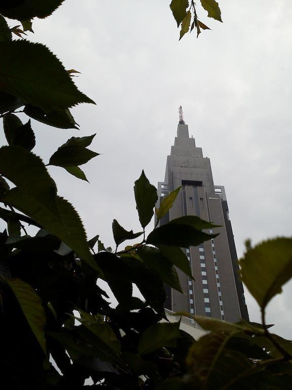今日も曇りだドコモくん! 梅雨入り、早いかも。 【2012年6月1日】