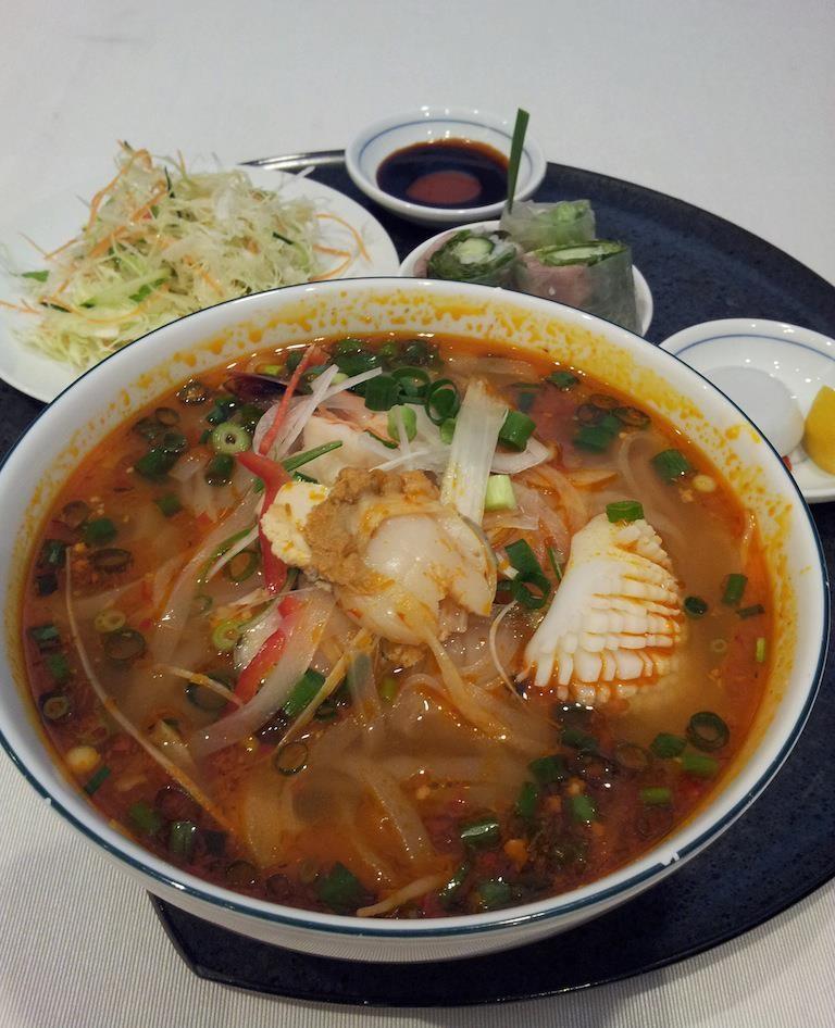 ドコモショップに用事があったので、久しぶりにベトナムガーデンでピリ辛海鮮フォ~! 辛っ! 【2013年5月21日】