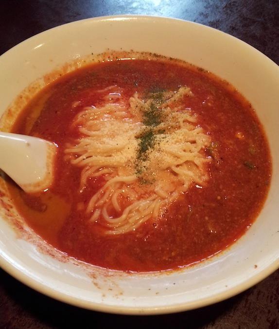 やっぱ和平飯店は炒飯ではなく、麺でしょ! ピリ辛トマト風味ラーメンでつよ、奥さん! 【2013年4月24日】